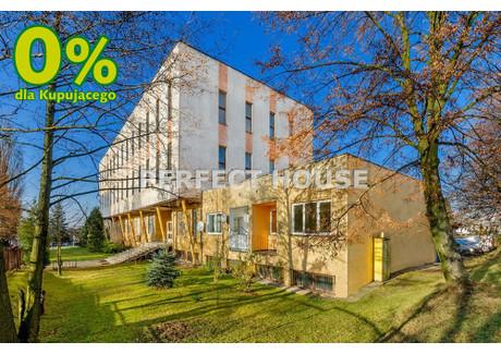Biuro na sprzedaż - Radomsko, Radomszczański, 2524 m², 2 740 000 PLN, NET-PRF-BS-3136