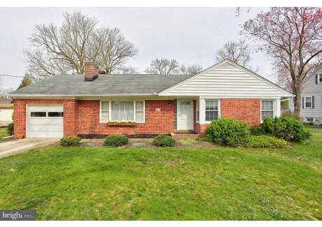 Dom na sprzedaż - 205 SANDSBURY AVENUE Glen Burnie, Usa, 120,4 m², 225 000 USD (857 250 PLN), NET-58735538