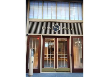 Dom do wynajęcia - 5 North Wabash Avenue Chicago, Usa, 101,17 m², 2250 USD (8573 PLN), NET-58705000